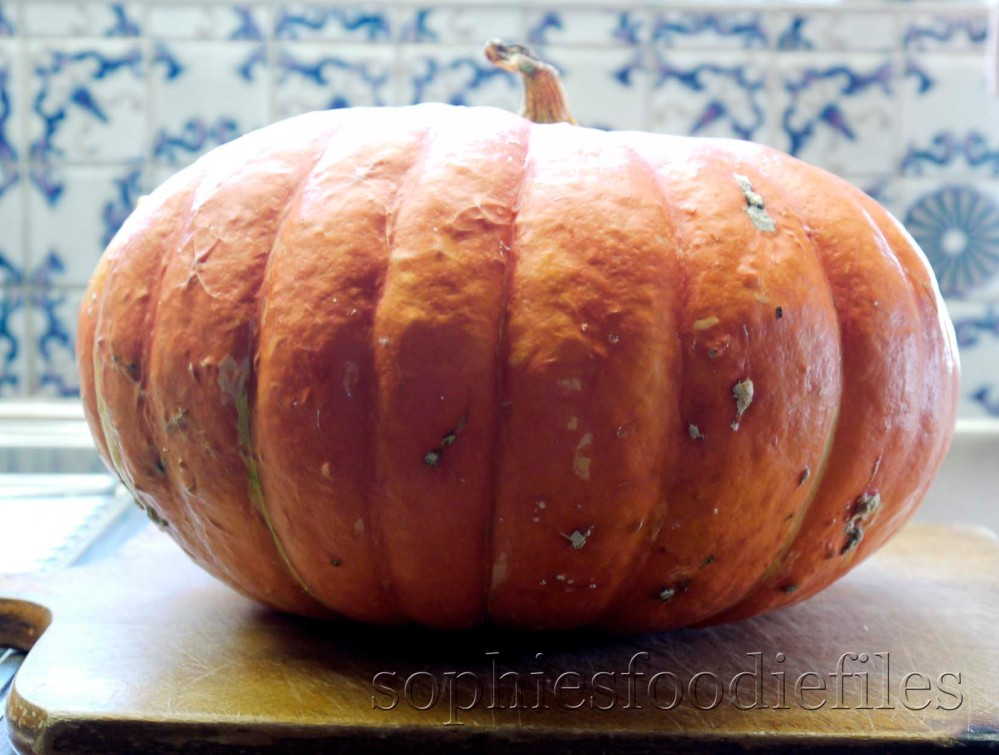 Roasted pumpkin, thyme & chorizo soup served with a home- made savoury pumpkin & feta bread! (3/3)