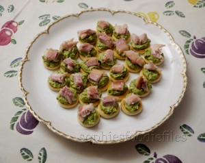 smoked trout & avocado appetizers! yum!
