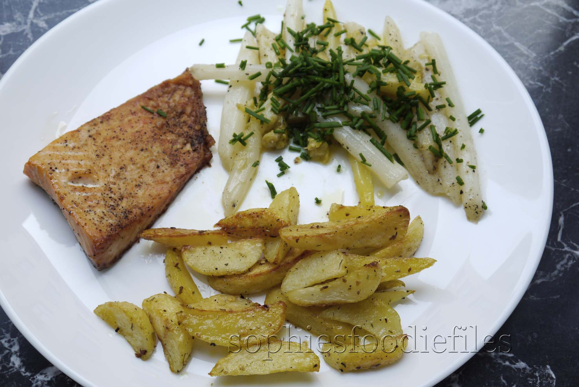 Oven baked salmon with asparagus & oven baked potato wedges | Sophie'...