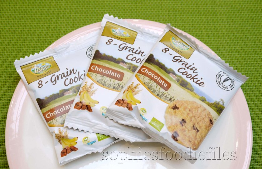The Vegan oragnic 8-grain cookies with chocolate, wrapped individually!