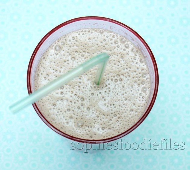 Almond butter maca chia smoothy!
