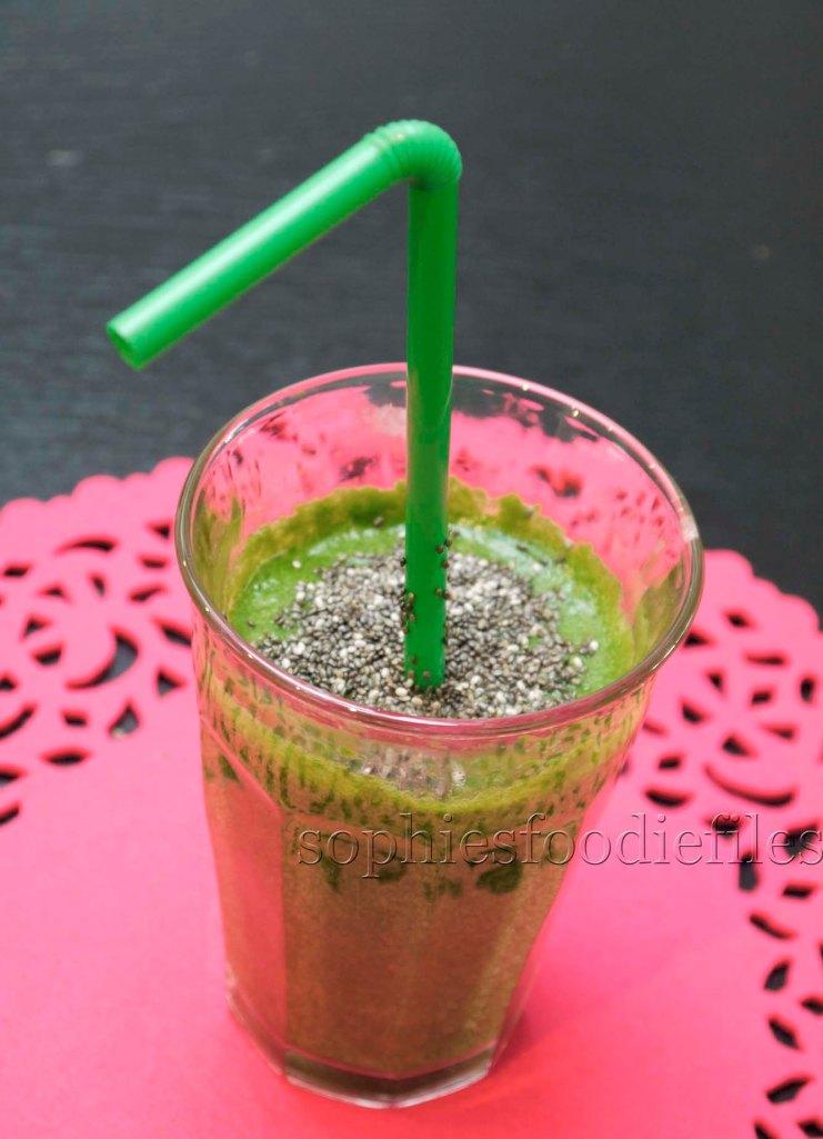 A tasty Vegan Gluten-Free green smoothy!