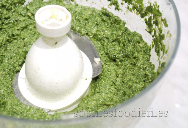 A divine Vegan & Gluten-Free spinach & rocket leaves pesto!