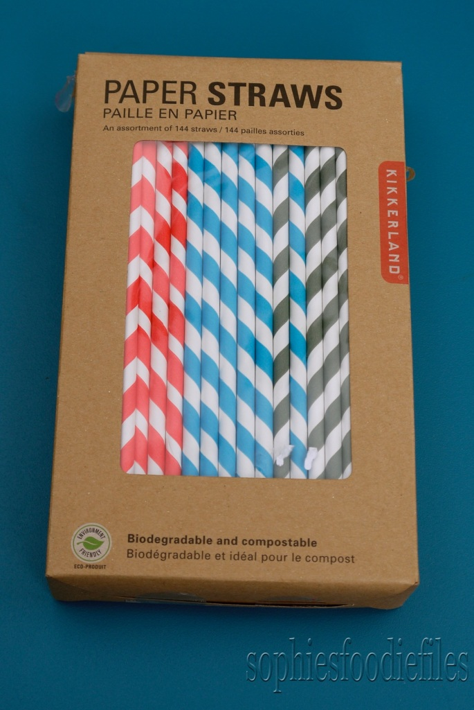 Kikkerland's beautiful multicolored paper straws!