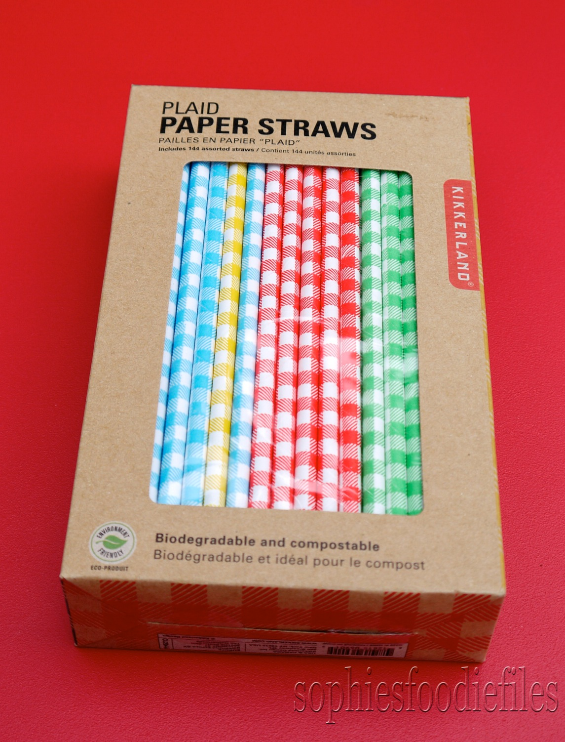 review kikkerland's paper straws  a lovely cocktail to use them  - pretty amazing right