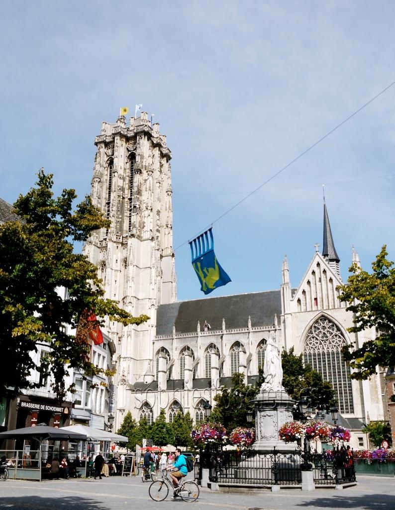 The famous Sint-Romboutstoren!