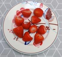 10 juicy strawberries